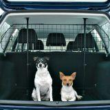 Автомобильная решетка для собак в багажник Trixie 1325
